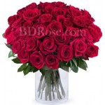 50 pcs red roses in vase